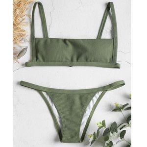 ✨3/$30✨ Zaful Ribbed Hook String Bikini